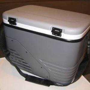 pant E6 s nastavitelným třením ve víku přenosné lednice