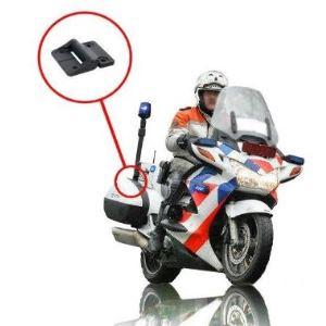 Pant s aretací v poklopu kufru u motorky