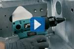 Aku nářadí TorqueFox při výrobě zametacích strojů